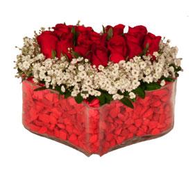 İstanbul Ümraniye online çiçek gönderme sipariş  Mika kalp içerisinde 9 adet kirmizi gül tanzimi