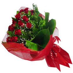 İstanbul Ümraniye kaliteli taze ve ucuz çiçekler  12 adet kirmizi essiz gül buketi - SEVENE ÖZEL