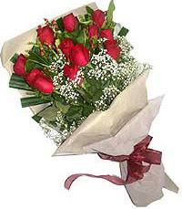 11 adet kirmizi güllerden özel buket  İstanbul Ümraniye internetten çiçek siparişi