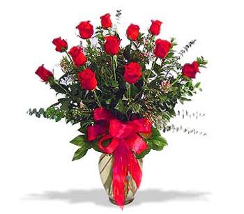çiçek siparisi 11 adet kirmizi gül cam vazo  İstanbul Ümraniye online çiçek gönderme sipariş