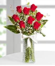 7 Adet vazoda kırmızı gül sevgiliye özel  İstanbul Ümraniye çiçek siparişi sitesi