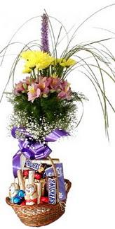 İstanbul Ümraniye hediye sevgilime hediye çiçek  Mevsim çiçekleri ve çikolata