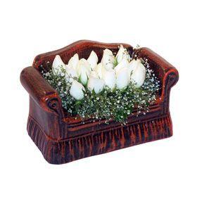 seramik içerisinde 11 gül  İstanbul Ümraniye hediye çiçek yolla