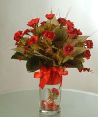 yapay güllerden vazo  9 gül  İstanbul Ümraniye uluslararası çiçek gönderme