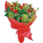 10 adet kirmizi gül buketi  İstanbul Ümraniye çiçek yolla