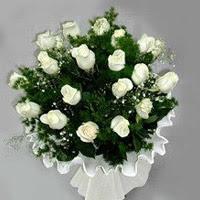 İstanbul Ümraniye hediye çiçek yolla  11 adet beyaz gül buketi ve bembeyaz amnbalaj