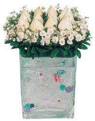 İstanbul Ümraniye çiçekçi mağazası  7 adet beyaz gül cam yada mika vazo tanzim