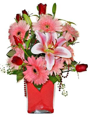 İstanbul Ümraniye cicek , cicekci  karisik cam yada mika vazoda mevsim çiçekleri mevsim demeti