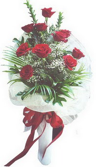 İstanbul Ümraniye hediye çiçek yolla  10 adet kirmizi gülden buket tanzimi özel anlara