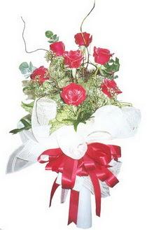 İstanbul Ümraniye çiçek siparişi sitesi  7 adet kirmizi gül buketi