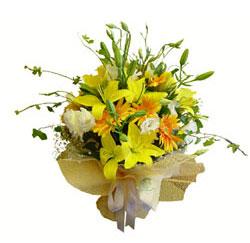 İstanbul Ümraniye çiçek gönderme sitemiz güvenlidir  2 dal kazablanka ve kir çiçekleri