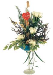 İstanbul Ümraniye çiçek gönderme sitemiz güvenlidir  kadeh içerisinde görsel gül tanzimi