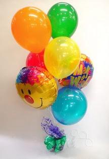 İstanbul Ümraniye İnternetten çiçek siparişi  17 adet uçan balon ve küçük kutuda çikolata