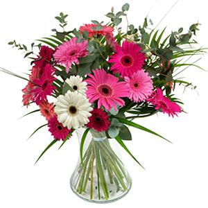 15 adet gerbera ve vazo çiçek tanzimi  İstanbul Ümraniye online çiçek gönderme sipariş