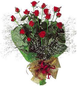 11 adet kirmizi gül buketi özel hediyelik  İstanbul Ümraniye çiçekçi mağazası
