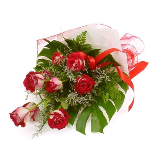 çiçek gönder 7 adet kirmizi gül buketi  İstanbul Ümraniye kaliteli taze ve ucuz çiçekler