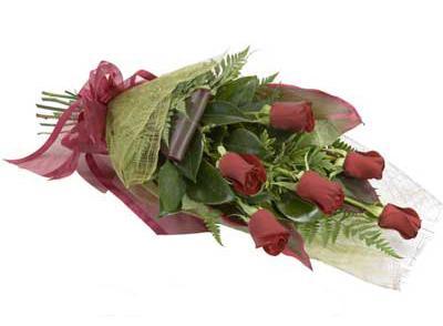 ucuz çiçek siparisi 6 adet kirmizi gül buket  İstanbul Ümraniye çiçek siparişi sitesi