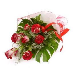 Çiçek gönder 9 adet kirmizi gül buketi  İstanbul Ümraniye çiçek siparişi vermek