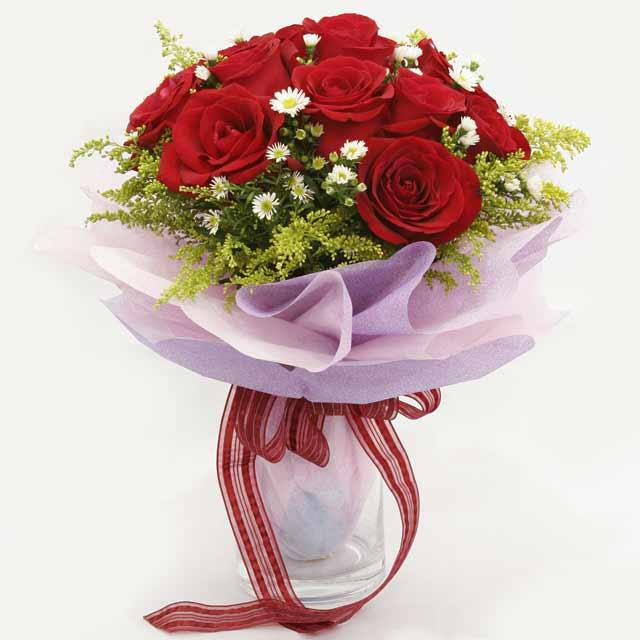 Çiçek gönderme estetikliginiz 11 gül buket  İstanbul Ümraniye çiçekçi mağazası