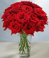 İstanbul Ümraniye çiçekçi mağazası  cam vazoda 11 kirmizi gül  İstanbul Ümraniye hediye sevgilime hediye çiçek