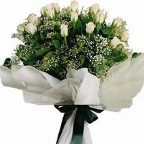İstanbul Ümraniye uluslararası çiçek gönderme  11 gül buketi özel tanzim