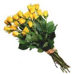 İstanbul Ümraniye 14 şubat sevgililer günü çiçek  12 adet sari gül buketi özel