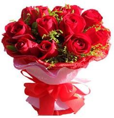 9 adet kirmizi güllerden kipkirmizi buket  İstanbul Ümraniye çiçekçiler