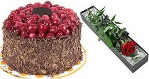 1 adet yas pasta ve 1 adet kutu gül  İstanbul Ümraniye uluslararası çiçek gönderme