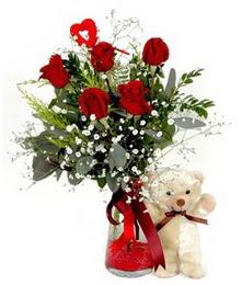 İstanbul Ümraniye yurtiçi ve yurtdışı çiçek siparişi  5 adet kirmizi gül ve pelus ayicik kalp çubuk