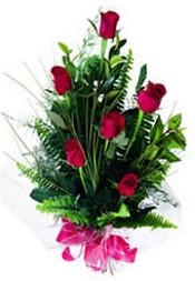 İstanbul Ümraniye güvenli kaliteli hızlı çiçek  5 adet kirmizi gül buketi hediye ürünü