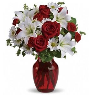 kır çiçekleri 7 kırmızı gül ve 1 dal kazablanka
