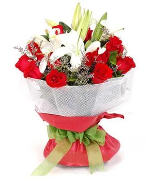İstanbul Ümraniye hediye çiçek yolla  1 dal kazablanka 11 adet kırmızı gül buketi