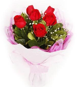 İstanbul Ümraniye hediye sevgilime hediye çiçek  kırmızı 6 adet gülden buket