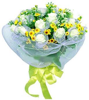 İstanbul Ümraniye çiçek siparişi sitesi  12 adet özel beyaz gül buketi
