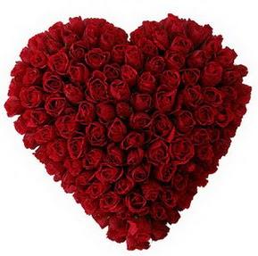 İstanbul Ümraniye çiçekçi mağazası  muhteşem kırmızı güllerden kalp çiçeği