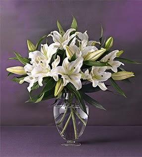 İstanbul Ümraniye İnternetten çiçek siparişi  4 dal cazablanca vazo çiçeği