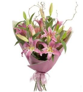 İstanbul Ümraniye İnternetten çiçek siparişi  3 dal cazablanca buket çiçeği