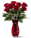 8 adet kırmızı gül sevgilime hediye  İstanbul Ümraniye İnternetten çiçek siparişi