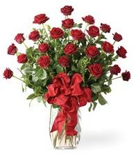 Sevgilime sıradışı hediye güller 24 gül  İstanbul Ümraniye 14 şubat sevgililer günü çiçek