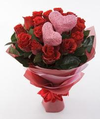 12 adet kırmızı gül ve 2 adet kalp çubuk  İstanbul Ümraniye 14 şubat sevgililer günü çiçek