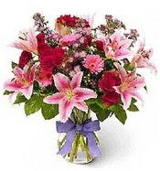 Vazo içerisinde karışık mevsim çiçeği  İstanbul Ümraniye çiçek siparişi sitesi