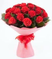12 adet kırmızı gül buketi  İstanbul Ümraniye çiçek siparişi sitesi