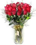 27 adet vazo içerisinde kırmızı gül  İstanbul Ümraniye İnternetten çiçek siparişi
