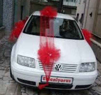 İstanbul Ümraniye ucuz çiçek gönder  çiçeksiz gelin arabası süslemesi