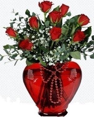 Kalp cam mika içinde 9 adet kırmızı gül  İstanbul Ümraniye internetten çiçek satışı