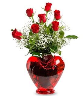 Kalp cam içinde 7 adet kırmızı gül  İstanbul Ümraniye çiçek siparişi sitesi