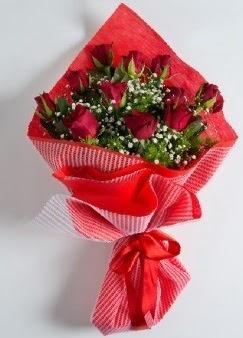 11 adet kırmızı gülden buket  İstanbul Ümraniye online çiçek gönderme sipariş