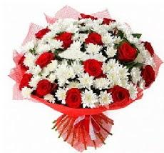 11 adet kırmızı gül ve 1 demet krizantem  İstanbul Ümraniye çiçek mağazası , çiçekçi adresleri