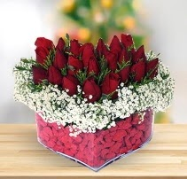 15 kırmızı gülden kalp mika çiçeği  İstanbul Ümraniye çiçek satışı