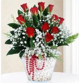9 adet kırmızı gül cam içerisinde  İstanbul Ümraniye çiçek servisi , çiçekçi adresleri
